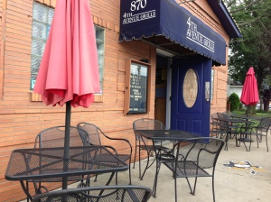 Outdoor seating, dining in Coraopolis, PA